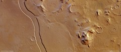 Reull Vallis: A Martian Riverbed